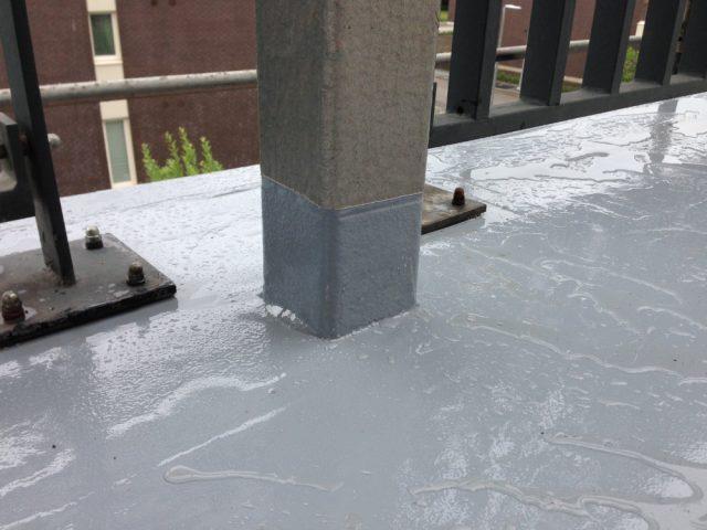 Terrassi varikatuse kandeposti vedelplast hüdroisolatsioon
